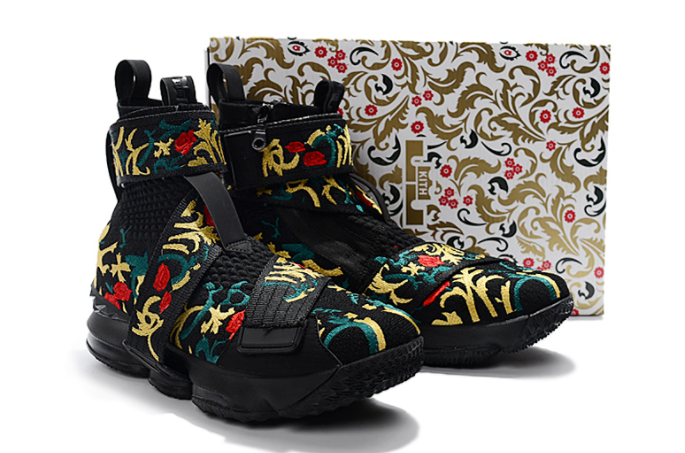 "KITH x Nike LeBron 15 Lifestyle ""King's Crown"" Black Gold Floral"