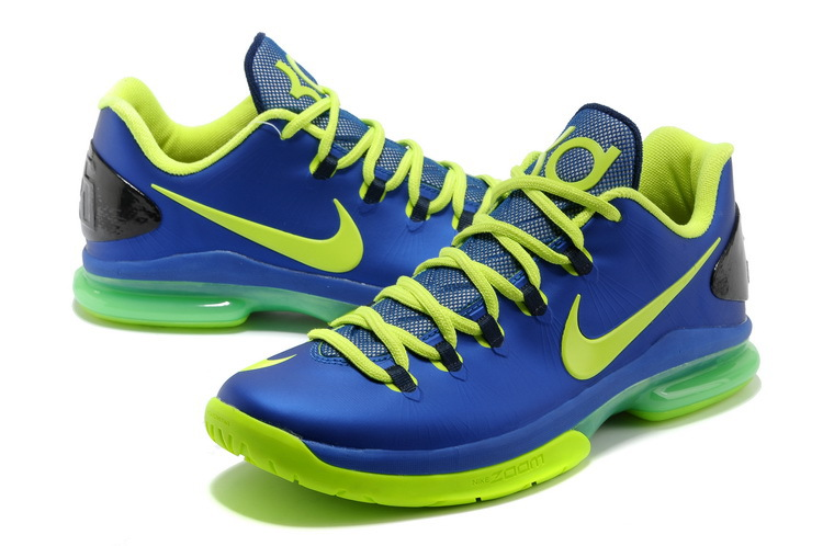kd blue and green Kevin Durant shoes on