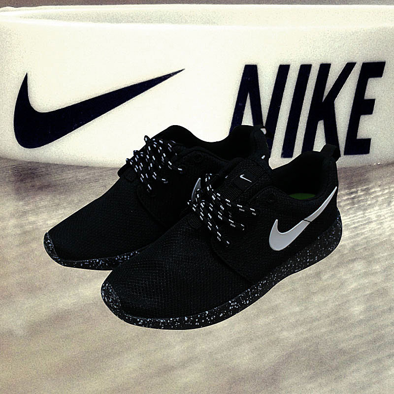 Kids Nike Roshe Run All Black Shoes