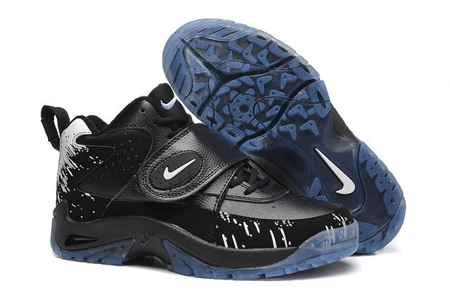 Nike Mason All Black Shoes