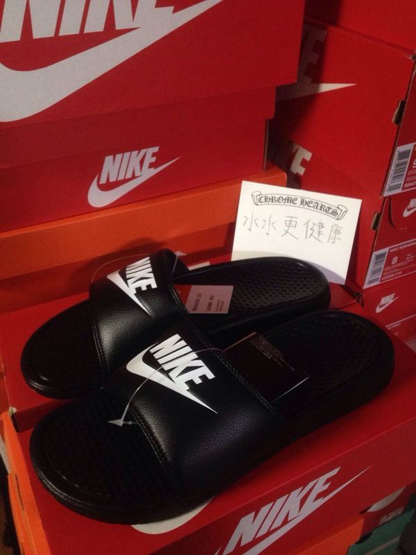Nike Sandal Black White