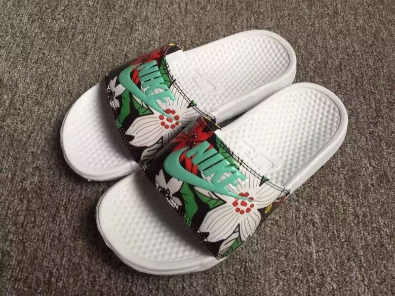Nike Sandal White Green Red