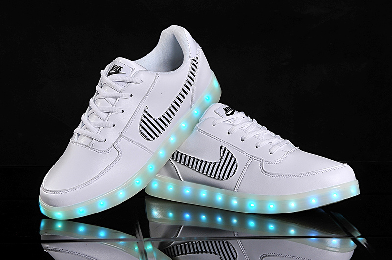 Top Leather Nike Air Force Chramatic Lamp White Shoes